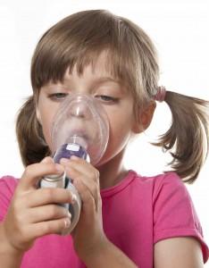 Paciente con asma infantil, causas y diagnóstico