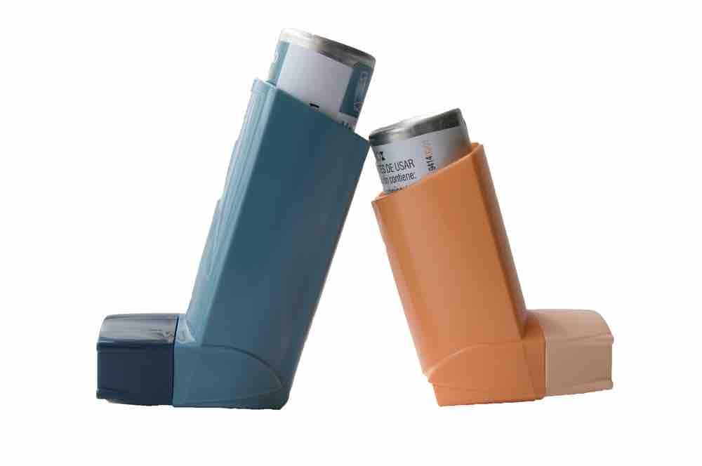 Diferenciar entre los medicamentos que alivian los síntomas y los que actúan sobre la inflamación bronquial